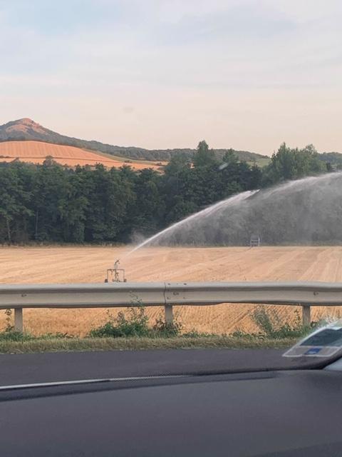 Prélèvement d'eau dans la Couze Pavin : 30 m3 par heure au service de la culture post moisson...il parait !